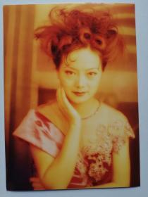 彩色照片:礼服美女(12*18cm)