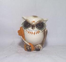 趣味的文革猫头鹰瓷塑硬币罐