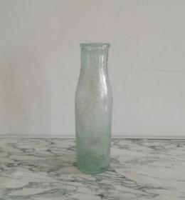 独特的民国阔口玻璃瓶
