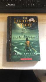 英文原版 The Lightning Thief (Percy Jackson and the Olympians, Book 1)y Rich Riordan (