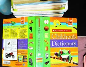 Scholastic Children's Dictionary 【扉页有章 书角磨损】