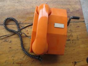 手摇电话机
