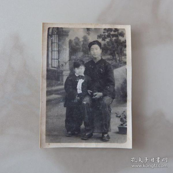 河南影像原版老照片收藏1962年2月摄于遂平《父子合影》背面有签字661#