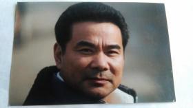 影视演员赵明健照片。