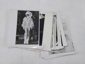 15     15张巨型照片合售------珍贵照片 ----黑白老照片老相片大照片   包老保真    背面为纯白色