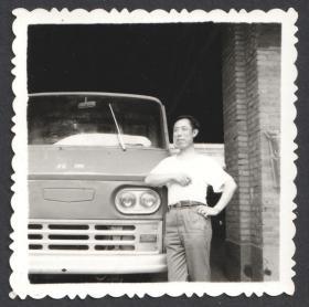 和北京牌汽车合影老照片