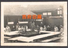 民国老照片,学校庭院中建筑模型展览学校老照片,少见场景