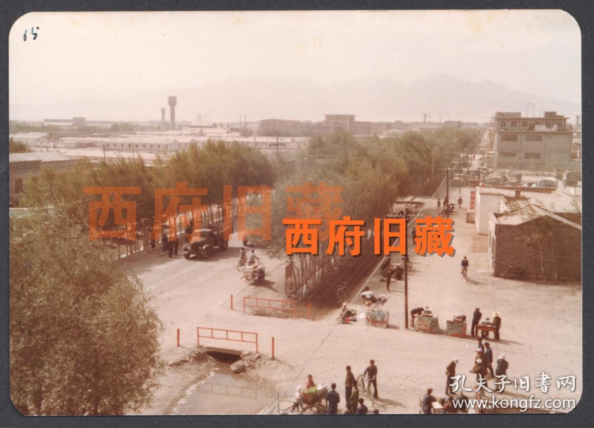八十年代初,西藏街头老照片
