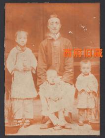 清代老照片,四口之家的全家福合影老照片