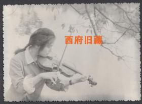 唯美人像,湖边,小提琴女孩儿