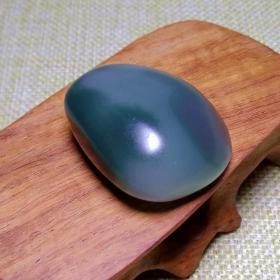 紫绿玛瑙,极品紫绿玛瑙,盐源玛瑙,温润如玉,绿色极品,绿色代表生命和希望,大自然的神奇造化,稀有罕见,难得一见收藏佳品
