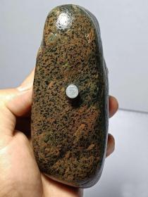 """陨石原石,特别的纹路原石,温润细腻,大块头1斤多重""""稀有黄虎皮纹陨石"""",""""回馈放漏"""", 玉化极好,全身包浆,压手感沉,微磁性、石质细腻、气印漂亮包浆到位,是非常漂亮的天然原石,富含负氧离子。可把玩也可打造挂饰!非常难得!"""