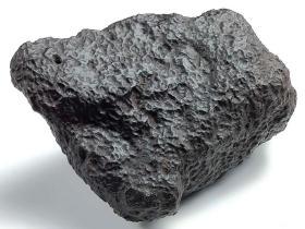 """陨石原石,""""气印金属球粒""""气印明显强烈,陨石原石,高熔""""龙纹""""陨石球粒,精品原石!大块头近2斤重,石质坚硬!燃烧痕迹明显!弱磁,极为稀有,特别罕见,温润细腻,乌金球粒陨石,有微弱磁性,可遇不可求,珍贵,稀有,精美,难得,可做镇馆之宝"""