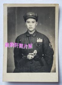 老照片:中国人民解放军——公安——持枪照。【桐阴委羽系列】