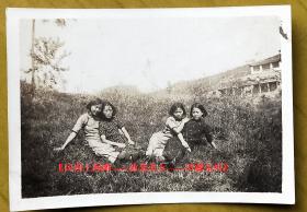 民国老照片:民国旗袍美女——画面有质感~【民国上海滩——泳装美女——旧藏系列】