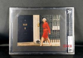 """""""新铁娘子,英国历史第二位女首相"""" 特蕾莎梅 签名照片 Beckett(BAS)鉴定并特殊加大版封装"""