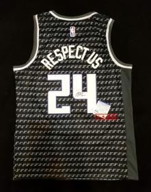 """""""19-20赛季NBA全明星三分王"""" 巴迪·希尔德 亲笔签名Nike版国王队球衣 由三大签名鉴定公司之一PSA/DNA现场见证鉴定"""