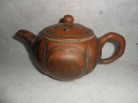 (民国-60年代)老紫砂壶,盖子上有作者名字(钱招娣)