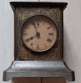 日本侵华时期TRADE T.O  MARK手提铜壳镀金闹钟(八音盒铃声)