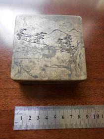 清代【山水人物,铜墨盒】尺寸:8.1×8.1×2.9厘米