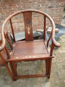 传世的黄花梨镶嵌螺钿圈椅