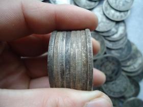 传世的银元200个