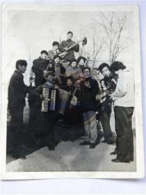 太原太钢业余文工团演员合影留念(80年代)
