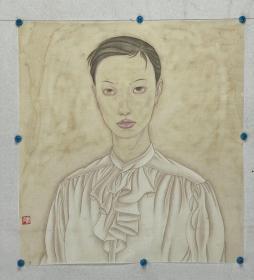 安石自称丑石,1984年1月出生,陕西人,毕业于西安美术学院,好篆刻、书法、绘画。中国美协会员.多次参加画展并获奖.作品《金秋》入展全国工笔画大展.作品《 信天游 》被中南海怀仁堂收藏。作品《月上漠》入选陕西中青年书画作品展。