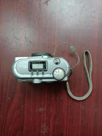 老物件,数码相机一台,联想相机一个。详情见图以及描述。