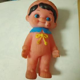 老玩具娃娃