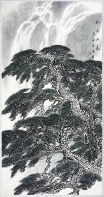 保真书画,王晓峰《松高流长》四尺整纸山水画一幅136×68cm,软片。当代山水画名家,浙江永康人,中国美术家协会会员,齐齐哈尔市美术家协会主席,国家一级美术师。