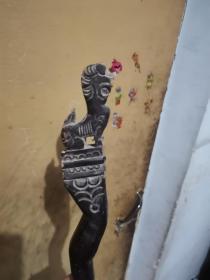 雕镂空刻的狮子头拐杖