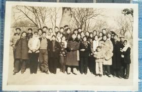 1956年相声大师侯宝林合影老照片