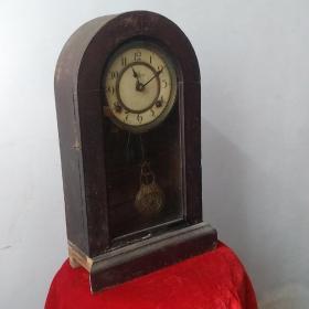 民国时期进口座钟基本完好上弦能走到点自鸣,品相看图自定。