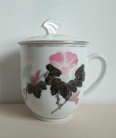 中国醴陵国光釉下五彩花卉瓷茶杯一只(杯盖后配)
