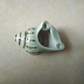 青瓷田螺烟灰缸