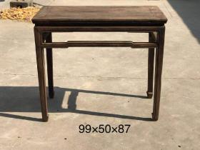 清代   老榆木罗锅杖马蹄足单八仙桌一个,形体流畅 全品老货