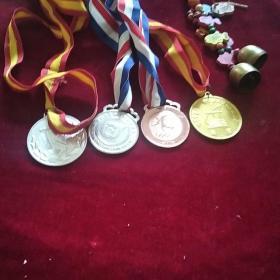 奖牌4枚及挂件一串
