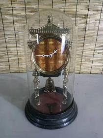 文革时期长春白山牌机械坐钟一个,走时正常,铜机芯,造型漂亮美观,保存完好