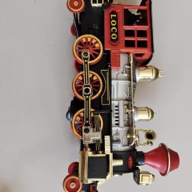Loco火车模型 小时候的玩具,现在应该是不好使了,详情见商品品相描述,介意者慎拍,售出后不退不换