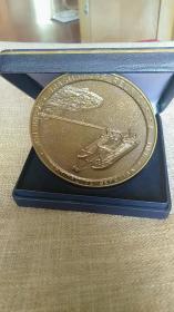 非常漂亮的外国大铜章,巴西海港,直径70 mm,少见,包浆自然,色泽纯正,值得收藏。