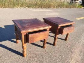 榉木小方凳一对!带有两个小抽屉,可做换鞋凳!