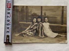 民国穿旗袍姐妹花美女照片,尺寸如图