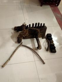 清代,民俗老物件:编草鞋工具架子一套,正常使用,使用于民俗博物馆收藏,展览馆陈列佳品。