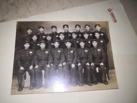 中国人民解放军出国足球代表队出国前留影  1951年