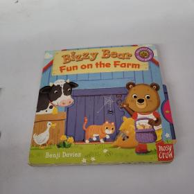 Bizzy Bear: Fun on the Farm [Board book]
