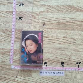 磁带:  邓丽君~谈谈幽情 、内有歌词。立体声。