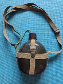 水壶,军用,水壶一个。详情见图及描述。