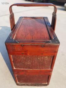 清末民初时期老食盒一个,包浆红润,品相完美,尺寸如图