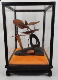 早期牛 角雕工艺出口艺术品,1978年广东高州县工艺美术厂。小鸟,虾,荷叶,栩栩如生,虾须细如毛发,全部是用角材而成,不可思议。